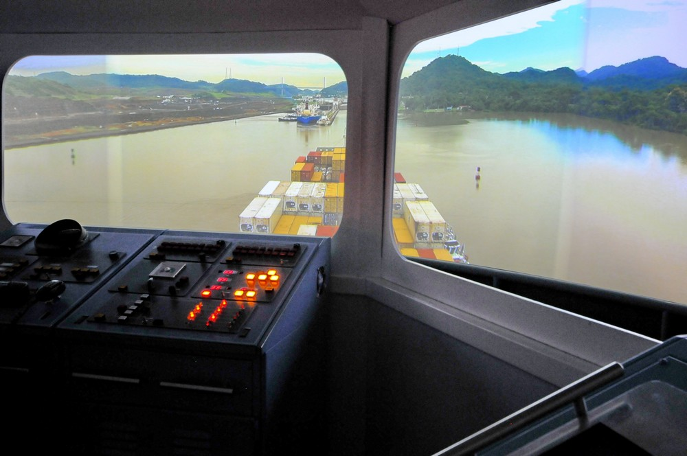 The crossing of the Panama Canal.  Visualization of the Museum of the Panama Canal