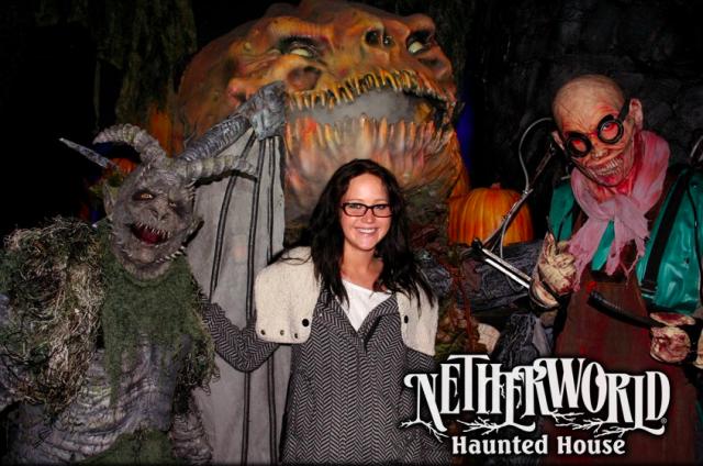 Jennifer-Lawrence-Haunted-House-photo-640x424