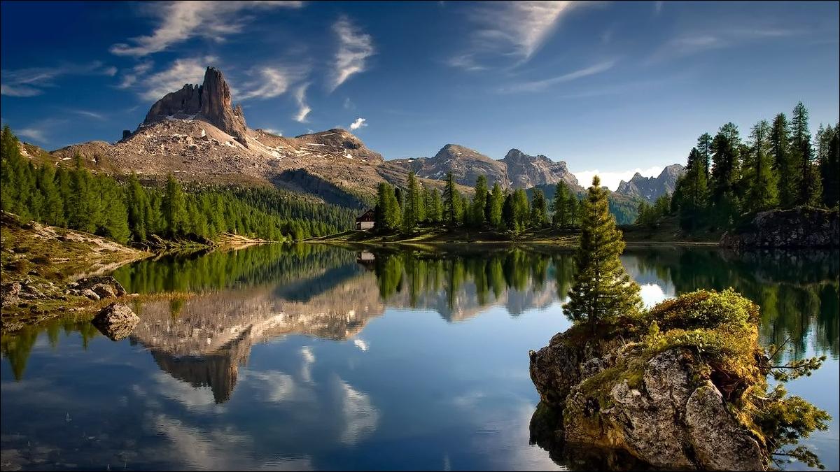 lake-federa-reflecting-the-dolomite_95329