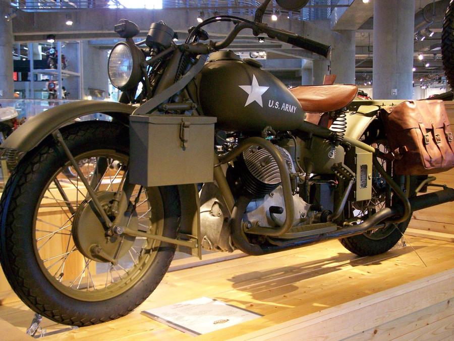 1280px-Indian_841_at_Barber_Vintage_Motorsports_Museum