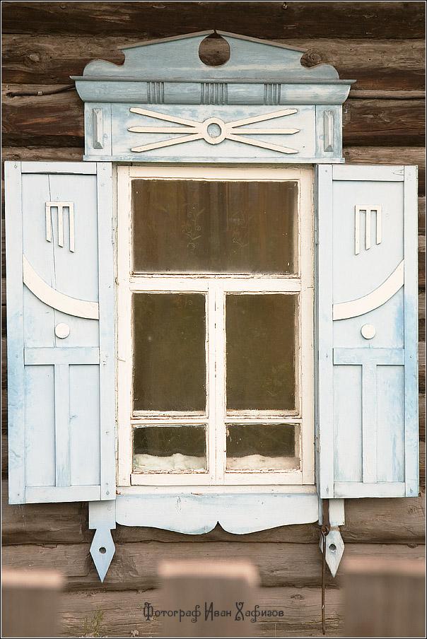Резной деревянный наличник города Красноярск