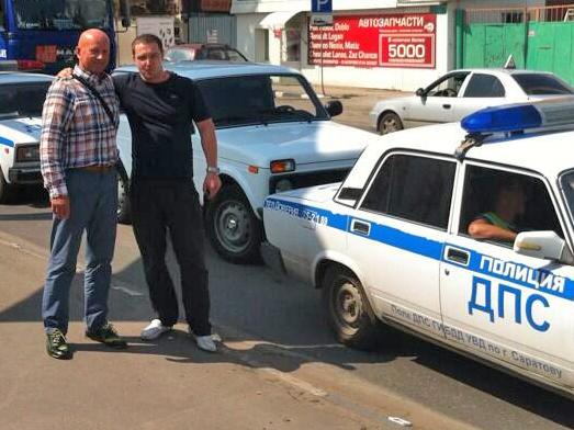 1373555369general_pages_11_July_2013_i2108_ivan_mironov_otpushchen_iz_policii_ego_vstrechaut_soratniki_nacionalisty