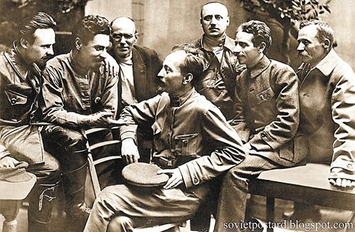 Открытка.-Ф.-Э.-Дзержинский-и-члены-коллегии-ВЧК.-1919г.