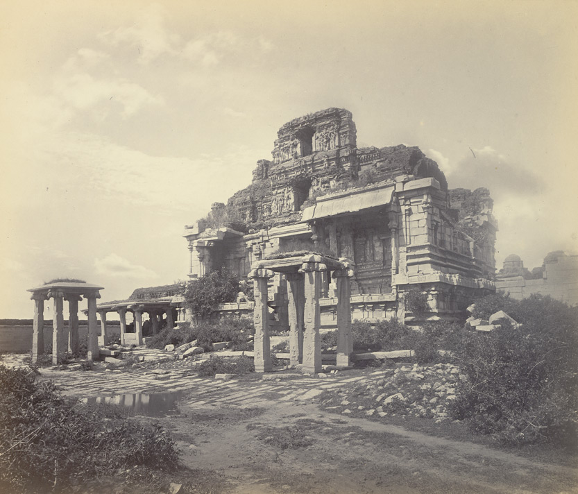 Ruins_of_Bala_Krishna_Temple_Vijayanagara_Hampi_1868_Edmund_Lyon_photo.jpg