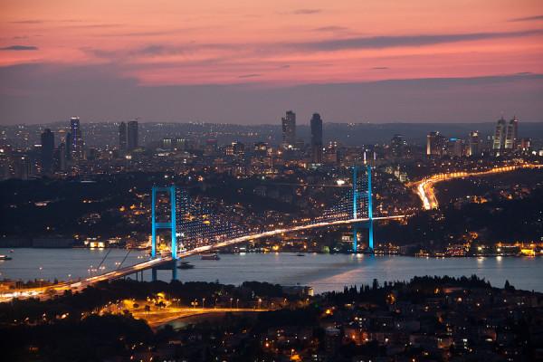 подвесным-мостом-через-Босфор2