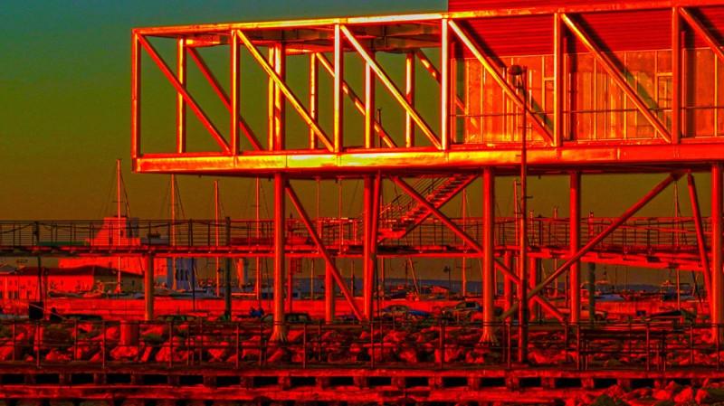 Лимассольский порт, плавучая платформа для бурения