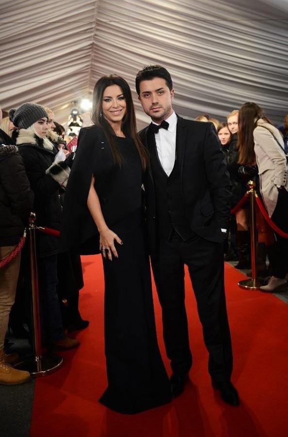 Касная дорожка церемонии Viva Самые красивые 2012,  Ани Лорак и муж Мурат