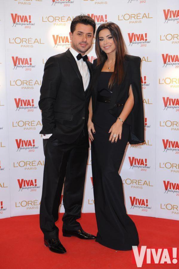Красная дорожка церемонии Viva Самые красивые 2012, Ани Лорак и муж Мурат