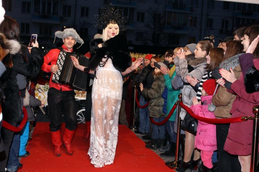 Фото Лидия Тропман (с) - Оля Полякова на церемонии Viva