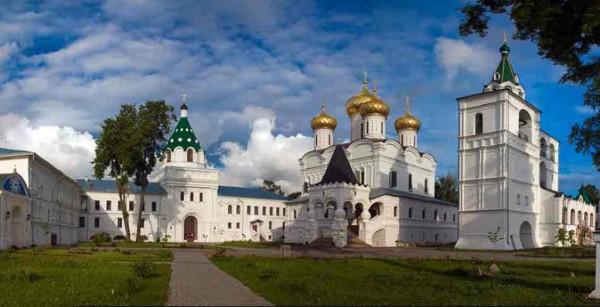 Кострома_Ипатьевский_монастырь_1.jpg