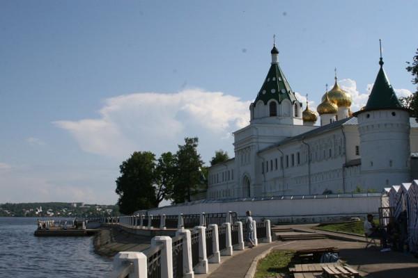 Кострома_Ипатьевский_монастырь_2.jpg