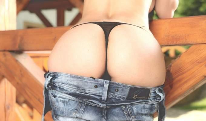 порно фото девушек в стрингах и шортиках