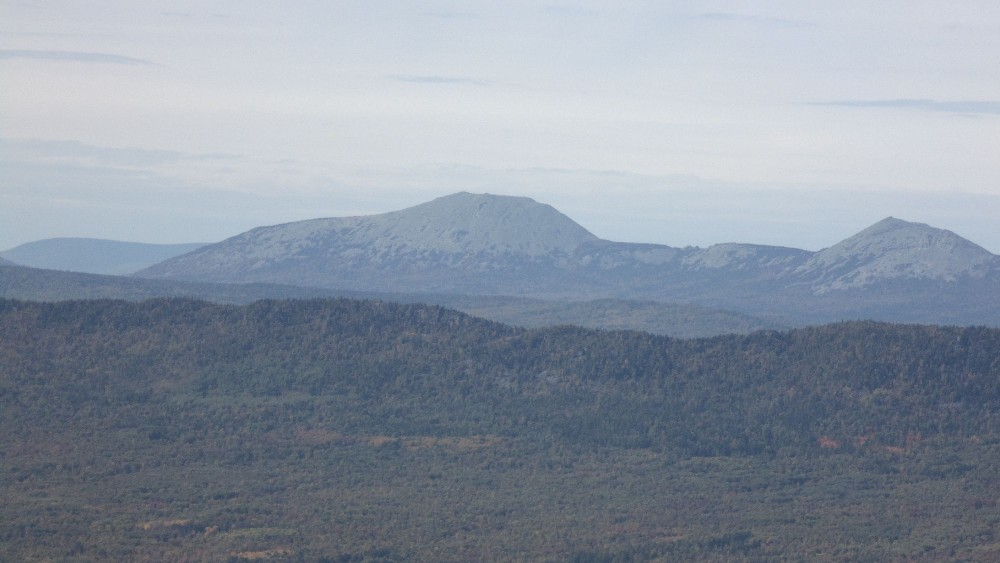Хребет Зигальга. Большой Шелом. Вид с вершины Большого Аваляка.