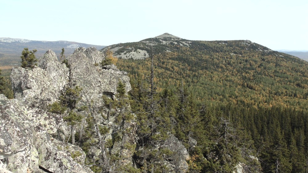Вершина хребта Аваляк - Абараш-баш. Вид с Большого Аваляка.
