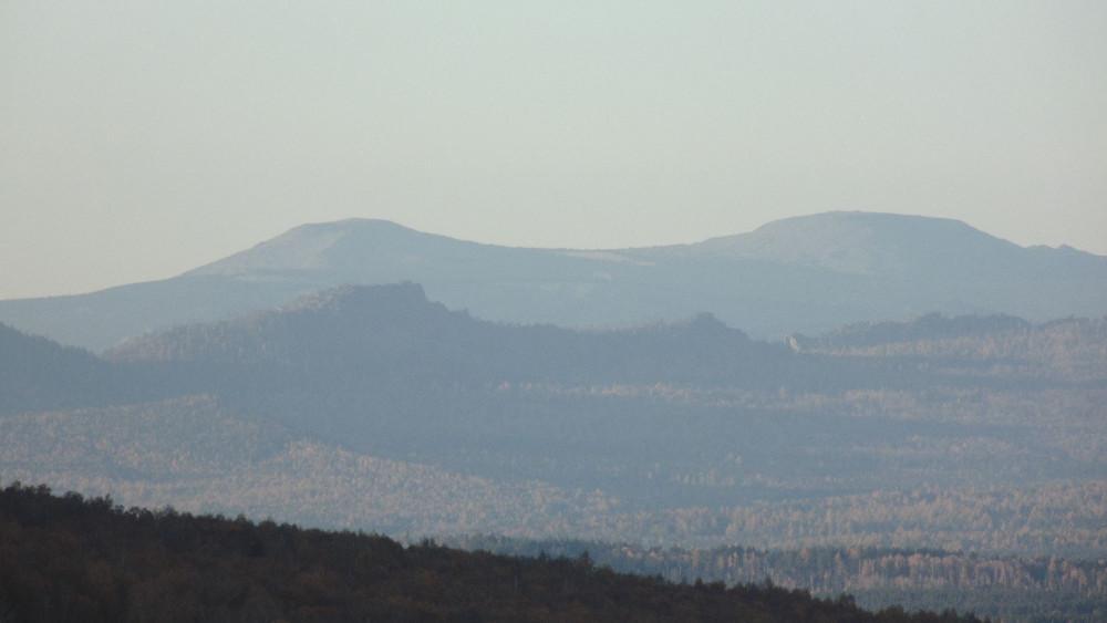 Вид с Малого Баштура в сторону горы Поперечной, Хребет Зигальга, Хребет Бакты