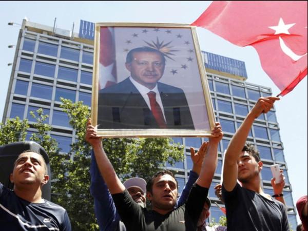 Большая удача.  Турецкий мятеж и его последствия для России.