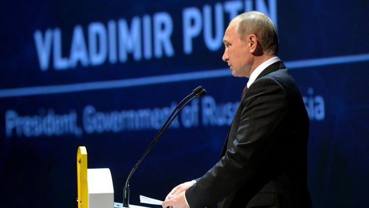 Путин в Стамбуле: мы поддержим заморозку добычи нефти. РФ строит мега-ОПЕК?