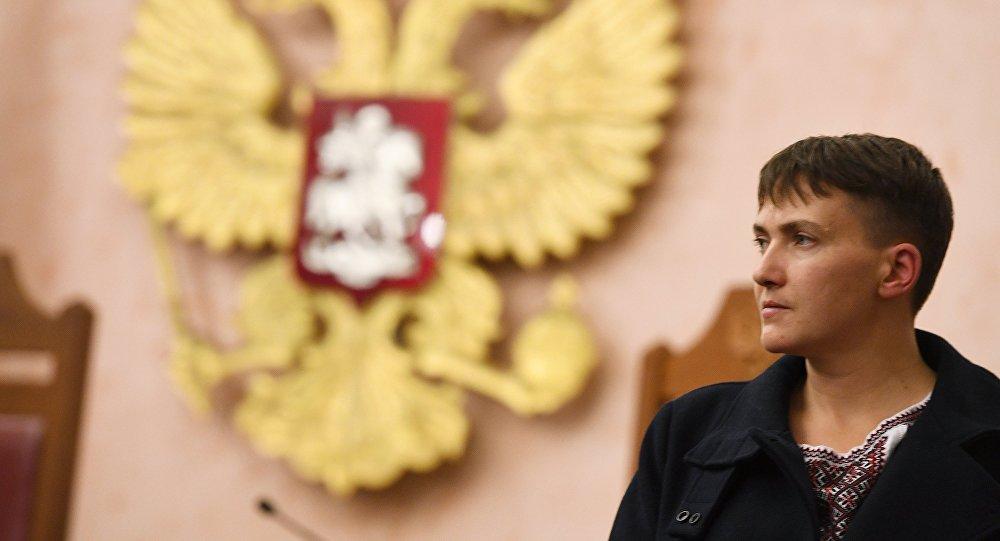 Надежда Савченко беспрепятственно прилетела в Москву