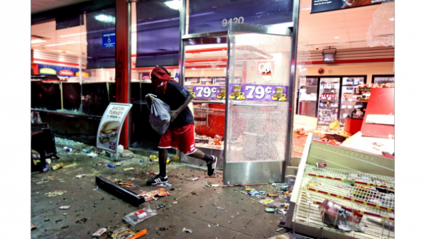 081114-National-St-Louis-Riots-After-Police-Shoot-Unarmed-Teen.jpg