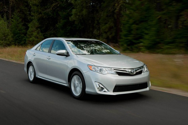 2013-Toyota-Camry-XLE-623x389