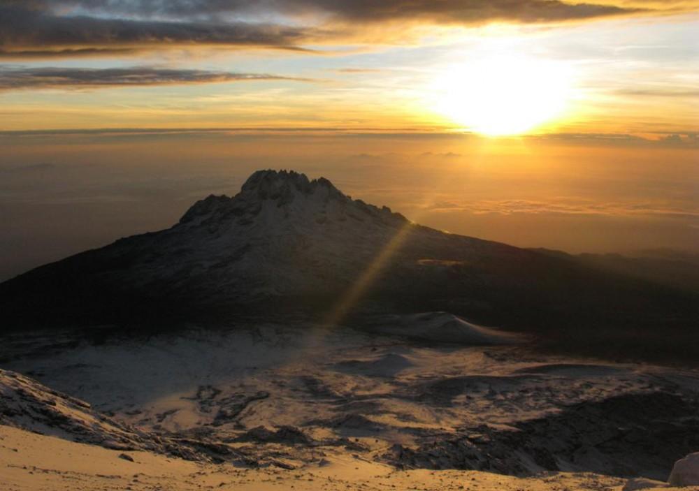 сх_д сонця над горою Мавенз_ - народження нового дня, _ початок мого дня народження