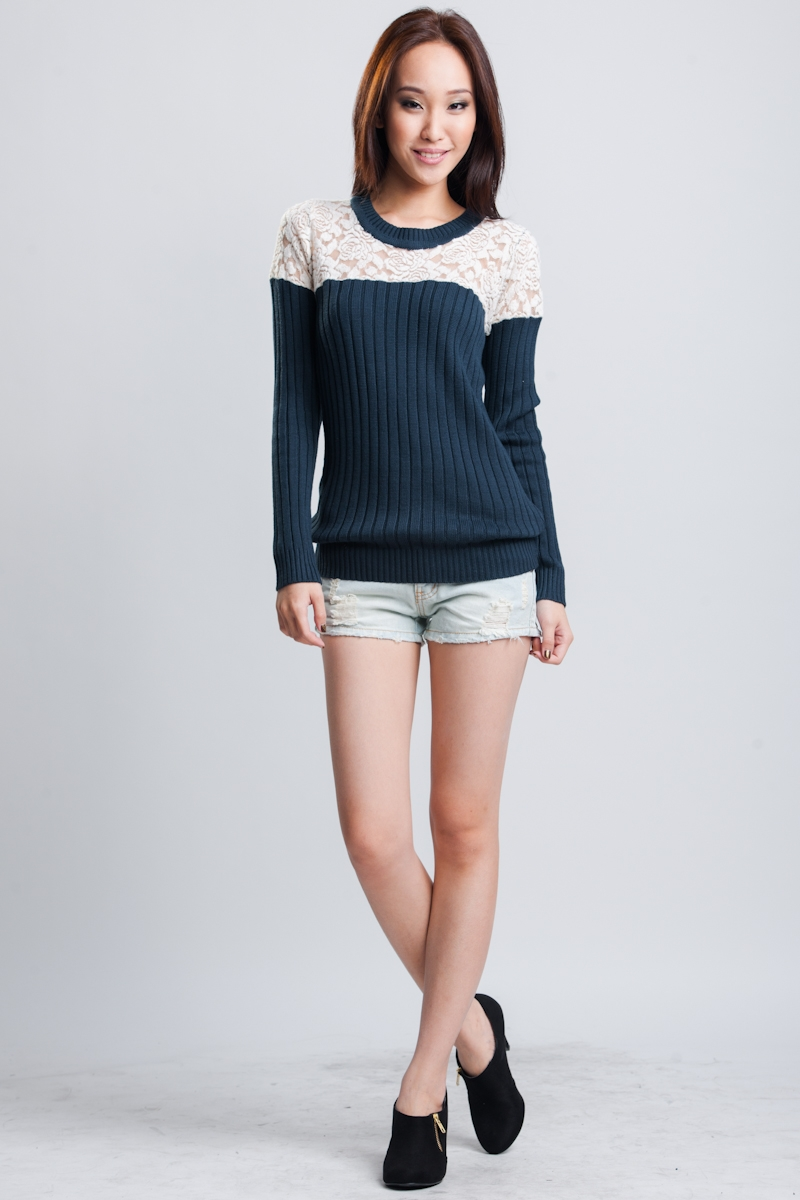 Serene Knit Top in Navy 2