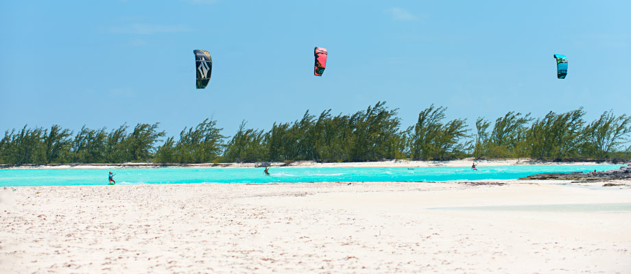kiteboarding-cedar-point-and-dickish-cay-middle-caicos