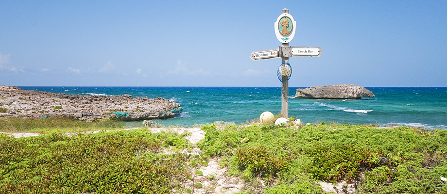 signpost-crossing-place-trail-middle-caicos