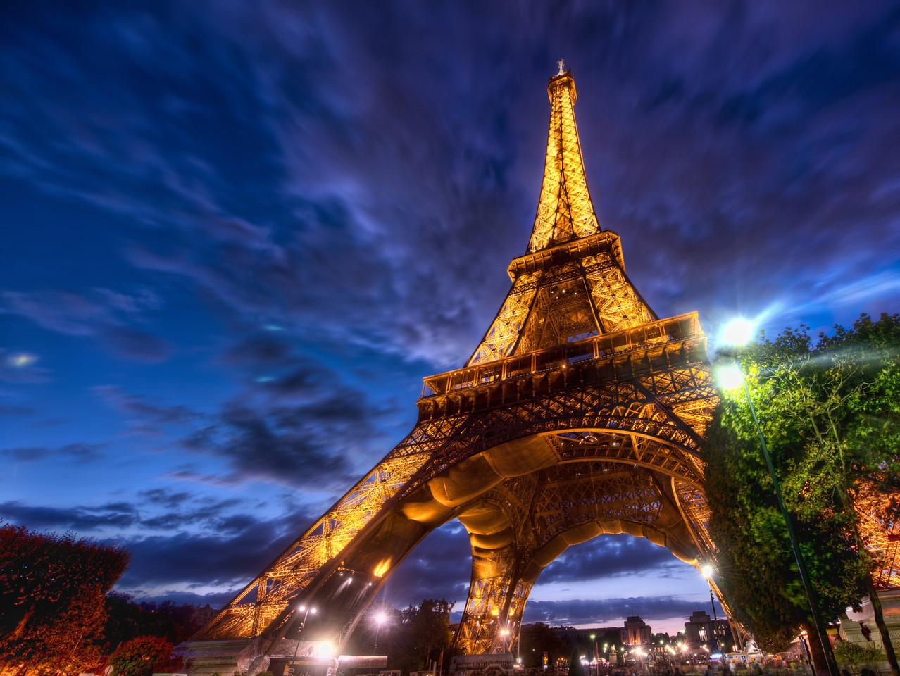 Eiffel-Paris-Jazz-Tour