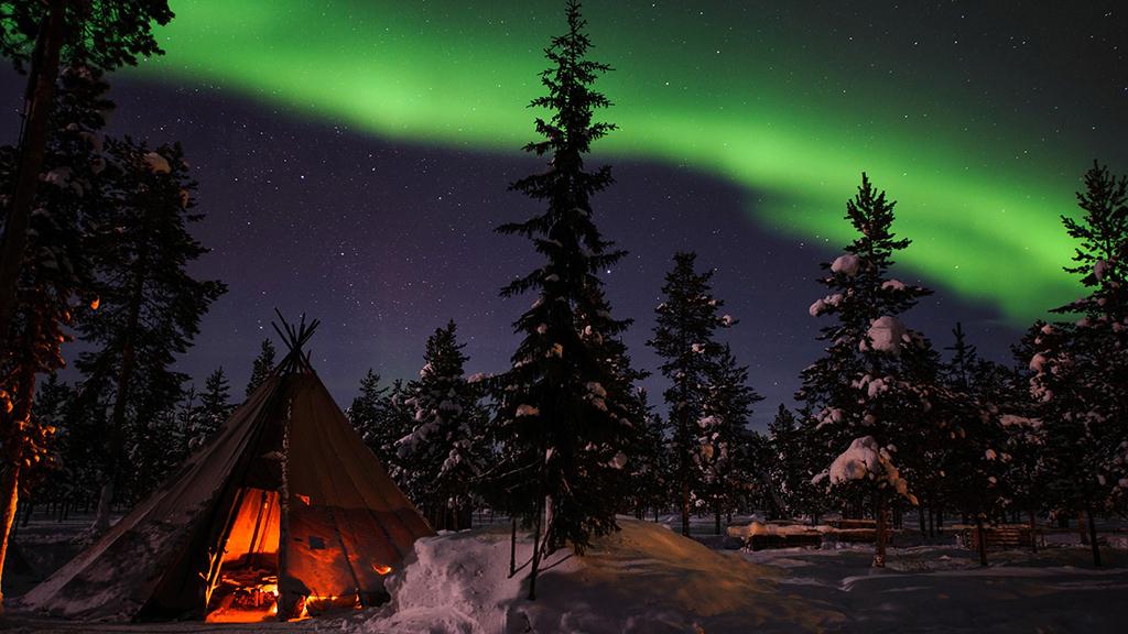 sweden-lapland-aurora