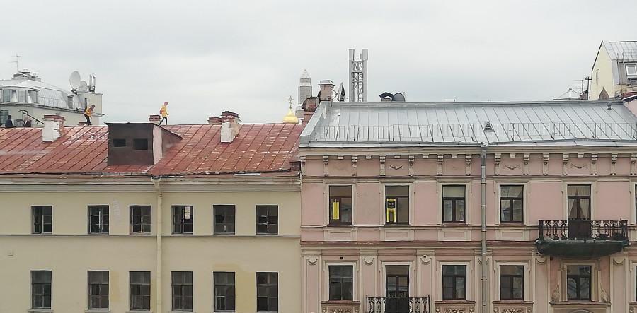 Туристы на крыше
