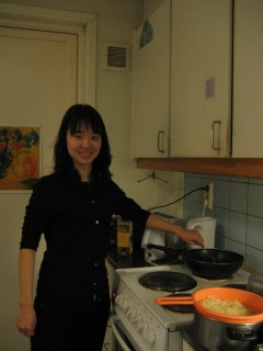 Sae-Won cooking spaghetti with special Korean spicy sauce