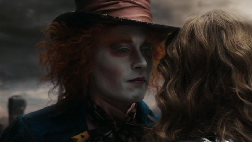 Alice-In-Wonderland-Screencaps-mad-hatter-johnny-depp-14576683-853-480