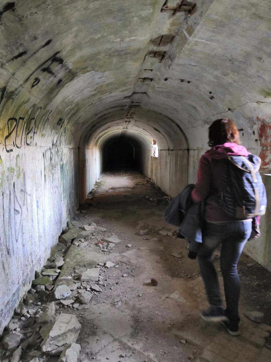 Шарились в подземках форта