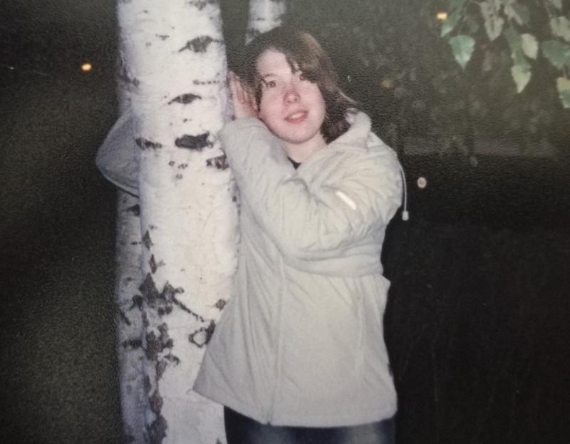 На этом фото мне 16 (сентябрь, 2002)