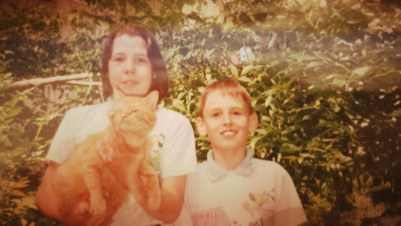 И напоследок - историческое фото :) Я, Пашка и наш первый кот Прошка.