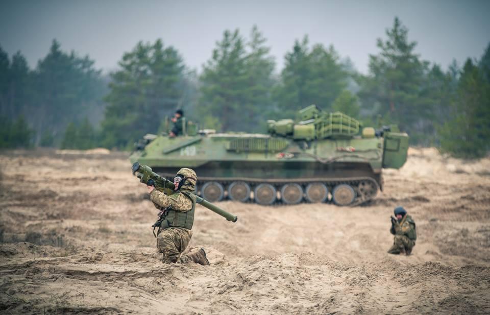 Прикарпатські «едельвейси» взяли участь у масштабному навчанні на Рівненському полігоні: були залучені авіація, артилерія та важка бронетехніка (відеосюжет)