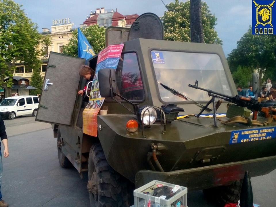 Красный Яр, 04.08.2014, БРДМ трофейный - теперь 2015