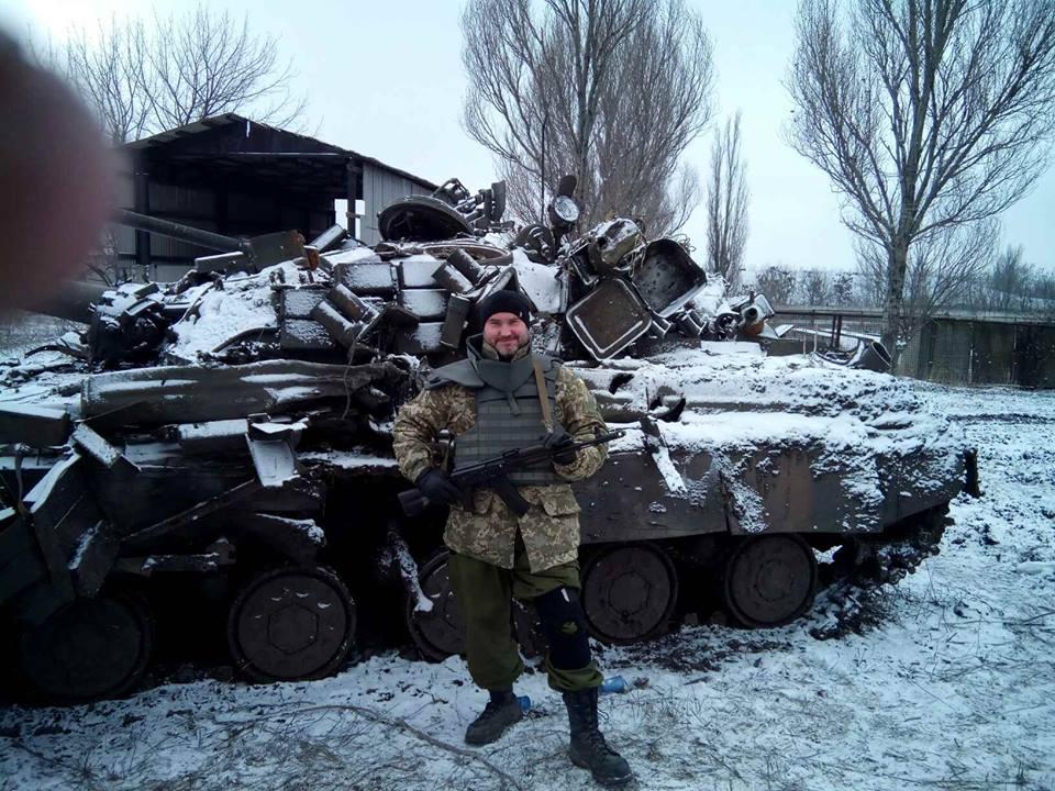 Один наш другий сепарський це танки з аєропорту.