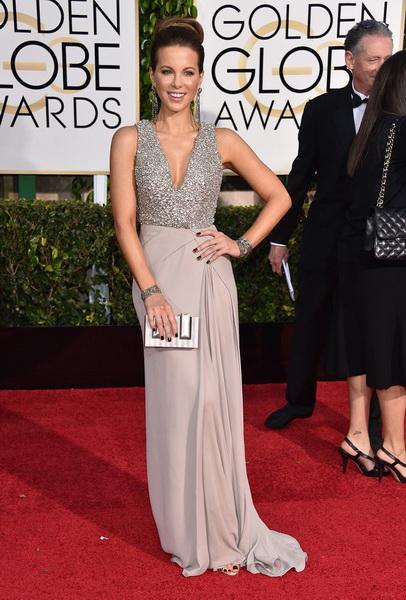 Кейт Бекинсейл выбрала на выход эффектное платье Elie Saab