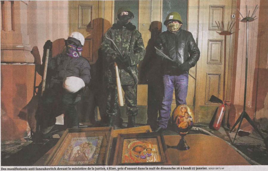 Le Monde о манифестантах против Януковича