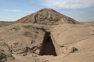 Пирамида Пианхи (Пи) в Эль-Курру