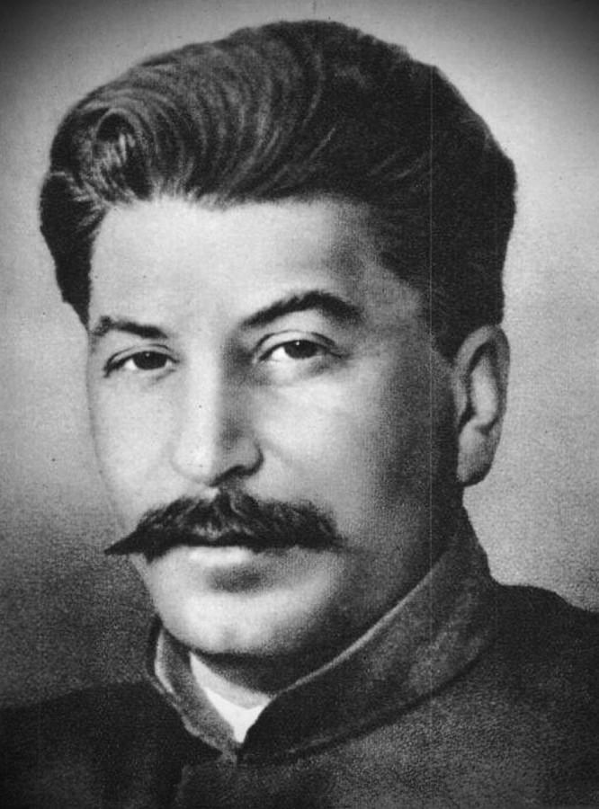 Иосиф Виссарионович Сталин  Полное собрание сочинений. 18 томов Предисловие автора.