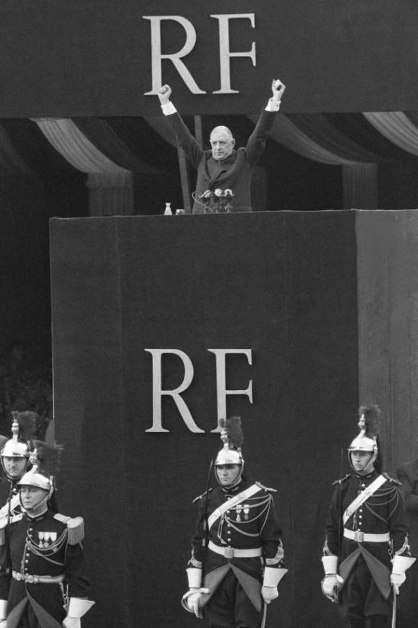 """""""Я готов принять на себя все полномочия Республики"""" Шарль де Голль часть вторая"""