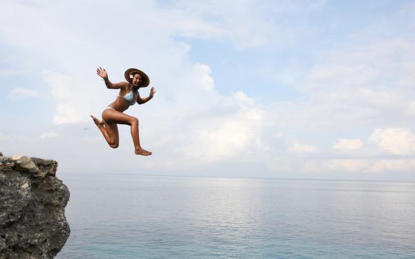 kelia-moniz-jumping-off-cliffs-wallpaper