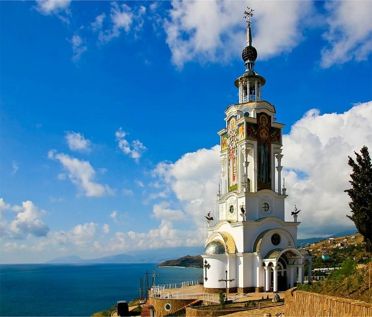 маяк-храм