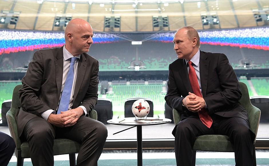 О чем говорили президент РФ и глава ФИФА?