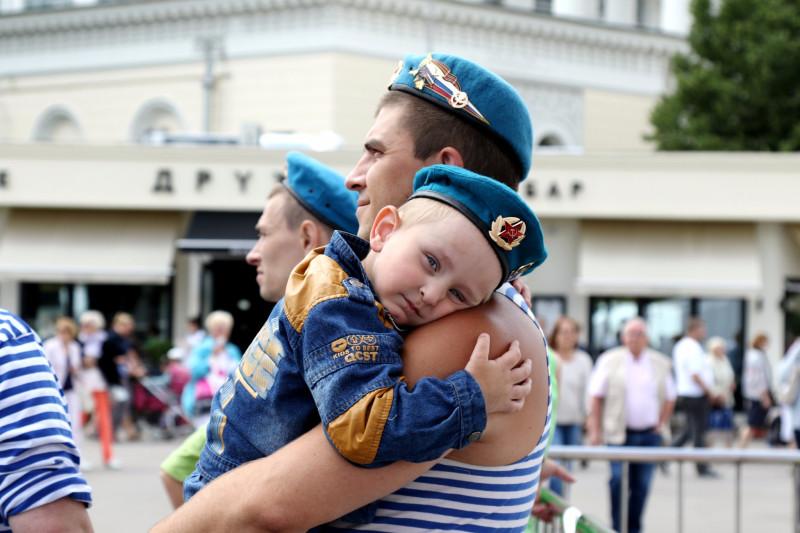 Президент России поздравил «крылатую пехоту» с праздником