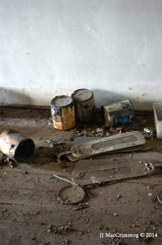 Abandoned 047FCa