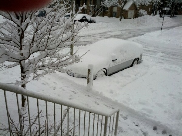 car_in_the_snow
